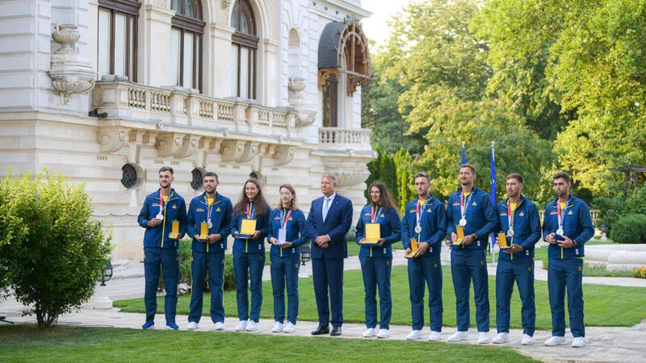 Sportivii medaliați la Jocurile Olimpice, decorați de Klaus Iohannis