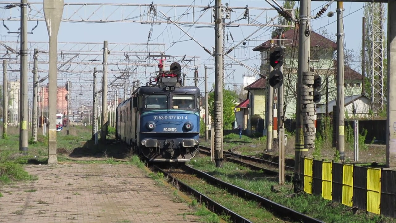 Două tinere s-au electrocutat încercând să-și facă poze pe un tren
