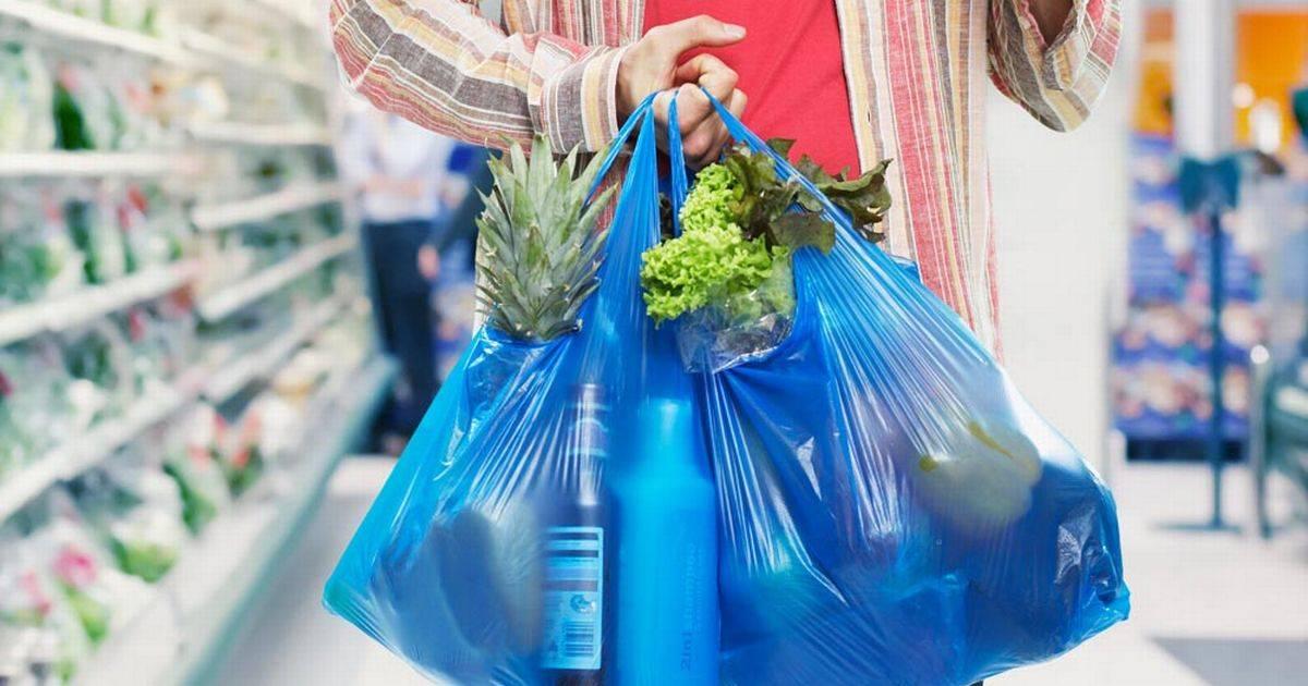 Produsele de unică folosință din plastic dispar de la rafturi. Guvernul a adoptat Ordonanța