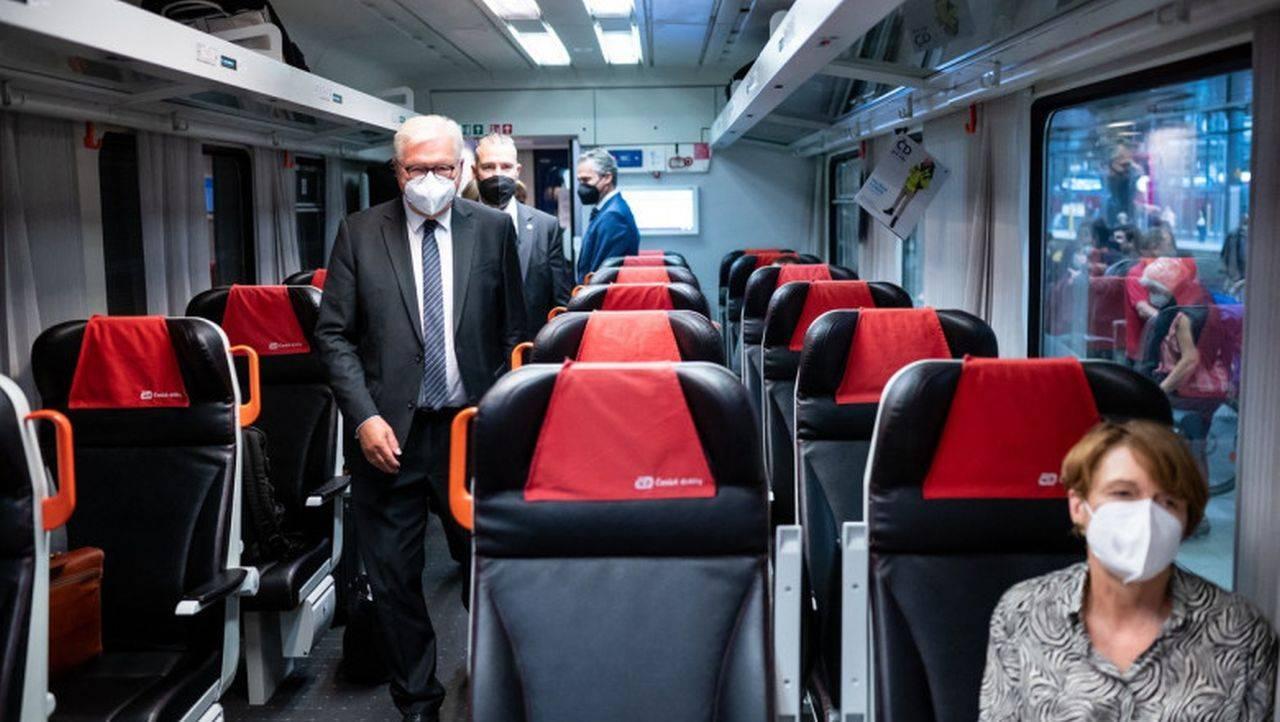 Importanța frontierelor în UE, subliniată inedit de președintele Germaniei. Acesta a mers la Praga cu trenul