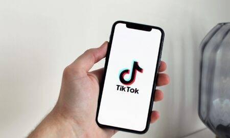 """TikTok interzice ,,provocarea lăzilor de lapte"""". Această provocare a făcut deja zeci de victime"""
