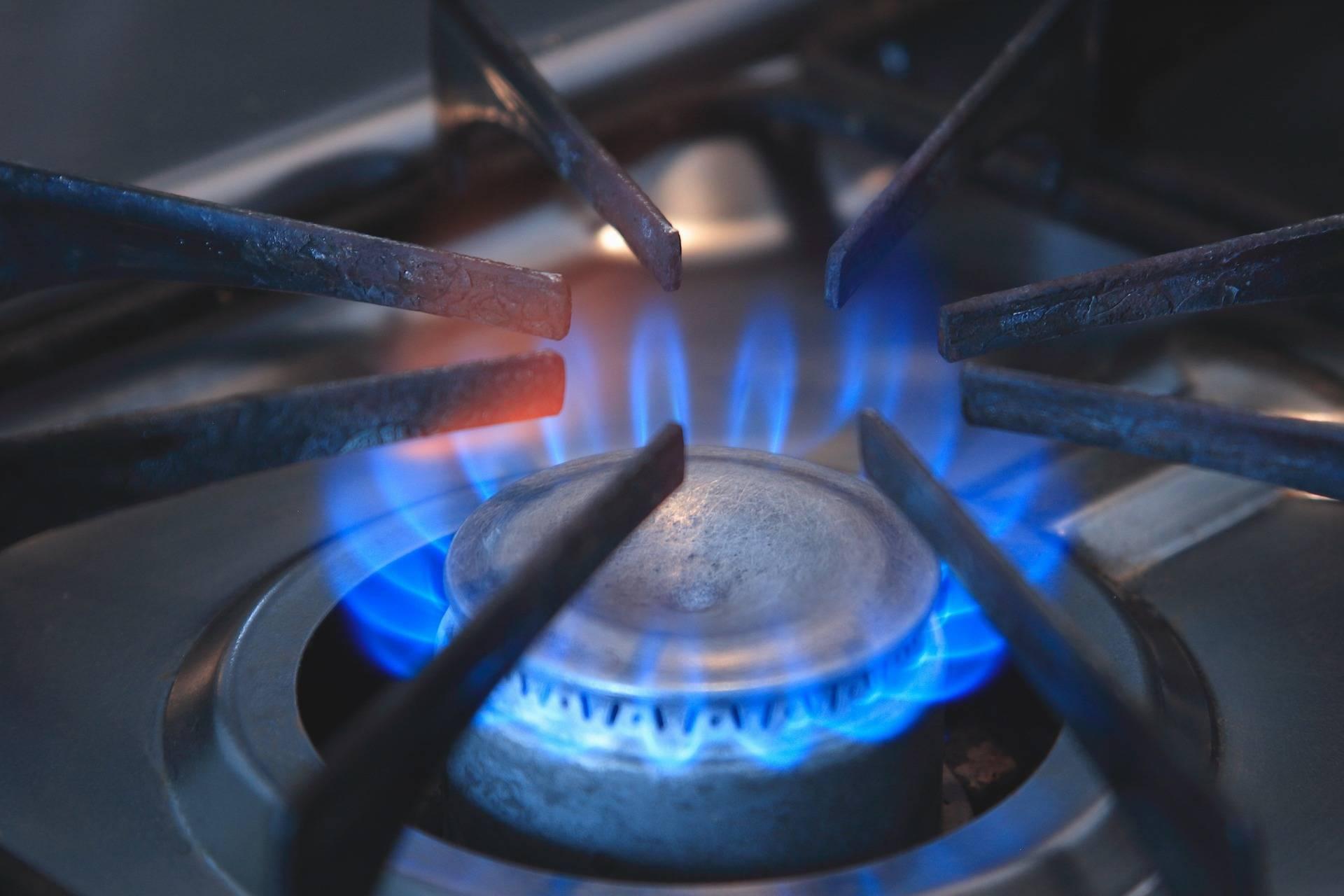 Analiză Reuters: Iarna 2021 ar putea aduce prețuri record la gazele naturale