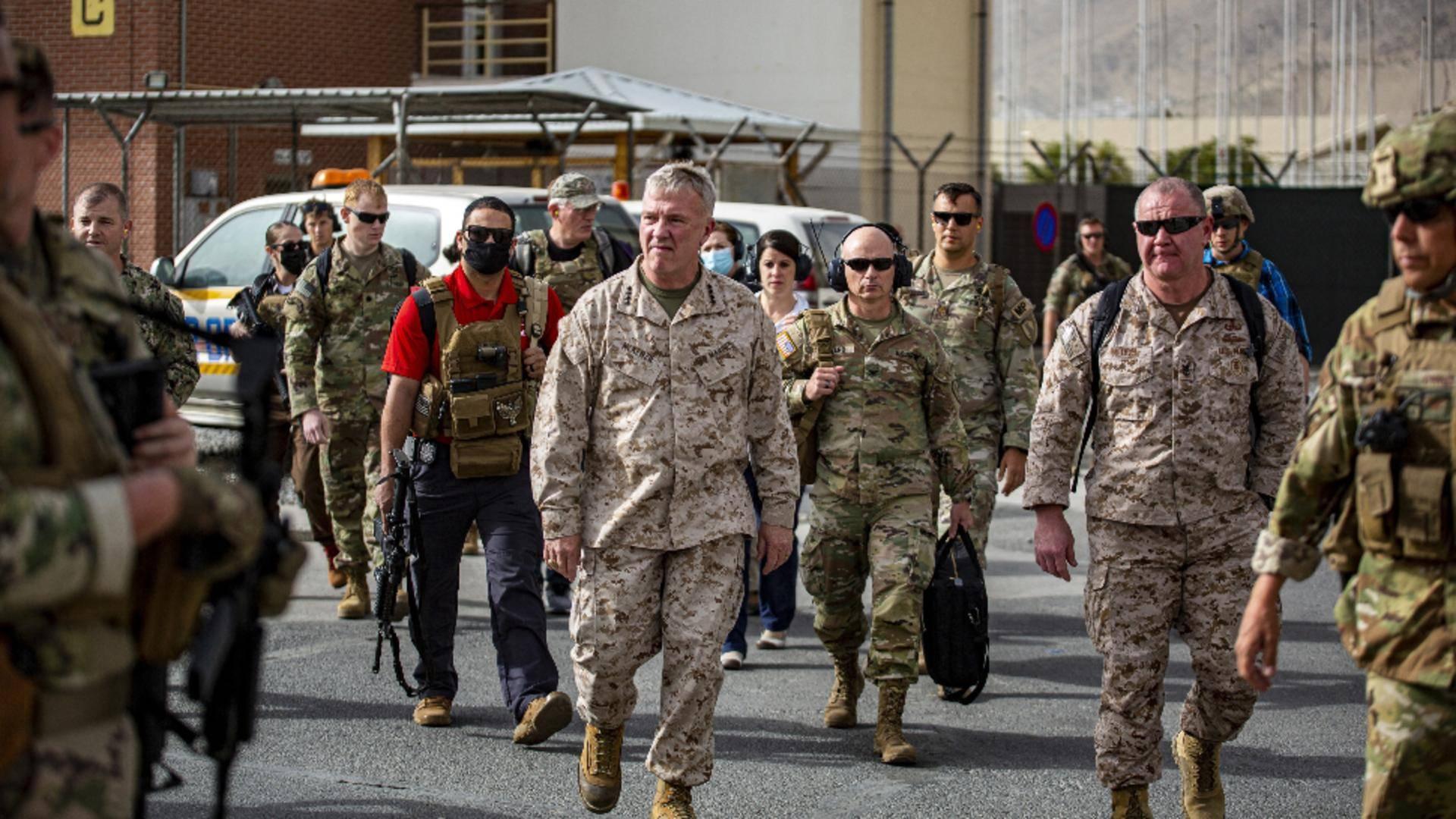 Înainte de a părăsi definitiv Kabulul, armata SUA a distrus mai multe avioane și blindate