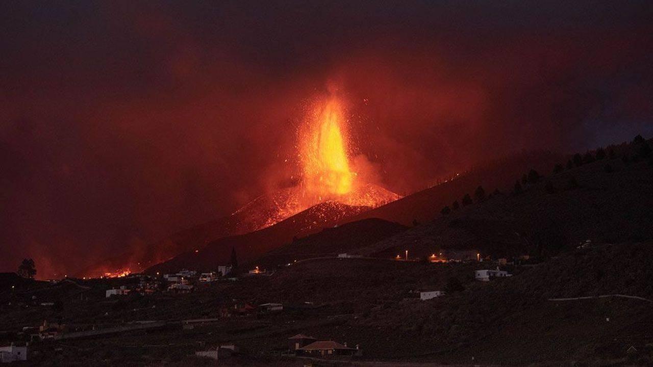 Norul poluant rezultat în urmă erupției vulcanului din La Palma ajunge în România în scurt timp