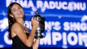 Emma Răducanu, de la US Open, direct pe covorul roșu de la Met Gala. Ce ținută a avut tânăra care a făcut istorie