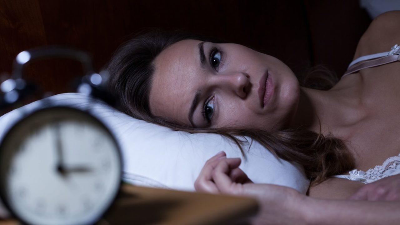 Te trezești noaptea la aceeași oră? Iată de ce treci prin acest fenomen înfricoșător