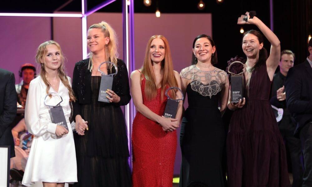 """România, pe podium la festivalul de film de la San Sebastian. Producția """"Crai nou/ Blue Moon"""", a câștigat marele premiu"""