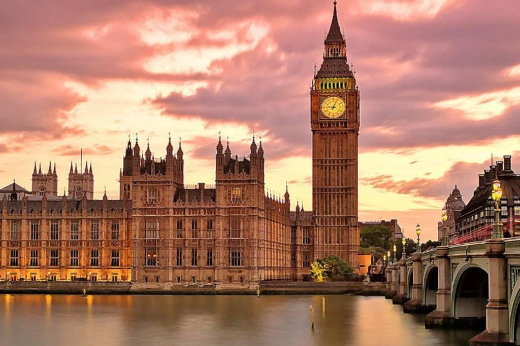 Ministerul de Externe anunță restricții pentru românii din Marea Britanie, începând cu 1 octombrie