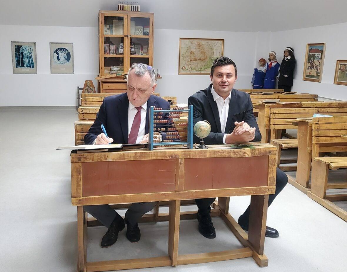Numire controversată la conducerea ARACIP. Un fost manechin devine noul președinte interimar