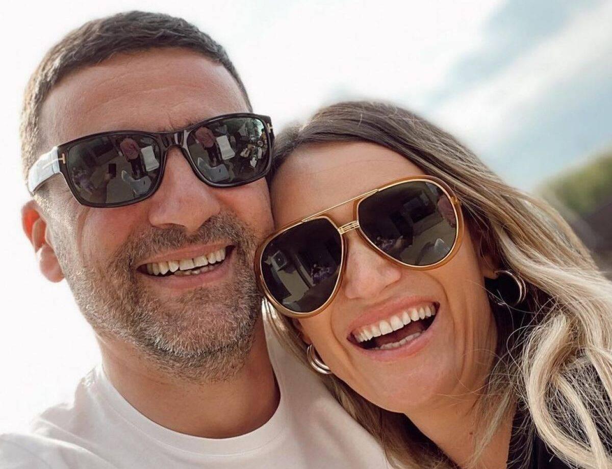 Carmen Negoiță se mândrește cu inelul de logodnă primit de la iubit. A fost cerută în căsătorie într-un mod special