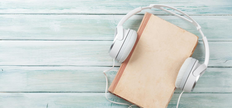 Cărțile audio: cum au apărut, beneficii și motive pentru care să le asculți