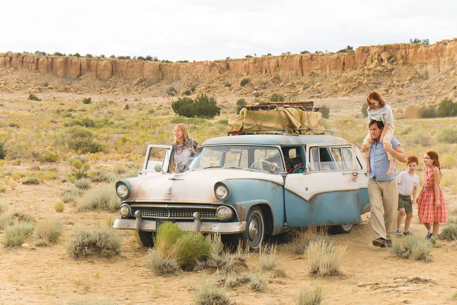 """""""Castelul de sticlă"""", o poveste inspirată din viața unei familii altfel"""
