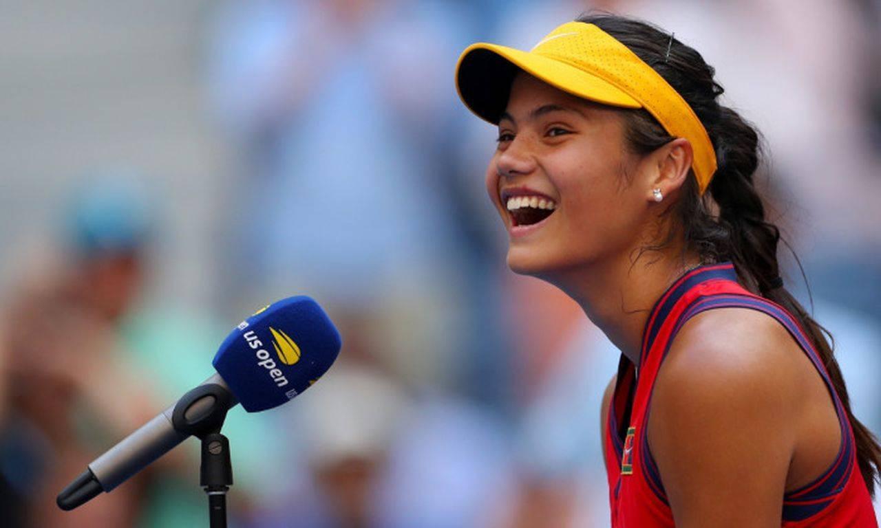 Surpriză în tenisul de la nivel mondial! Emma Răducanu s-a calificat în sferturile de finală de la US Open