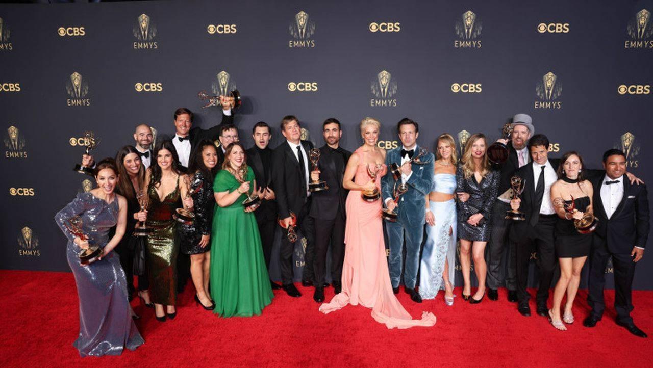 Gala Emmy 2021. Premiile au ajuns la cele mai bune filme din lume, iar defilările pe covorul roșu au fost excepținale
