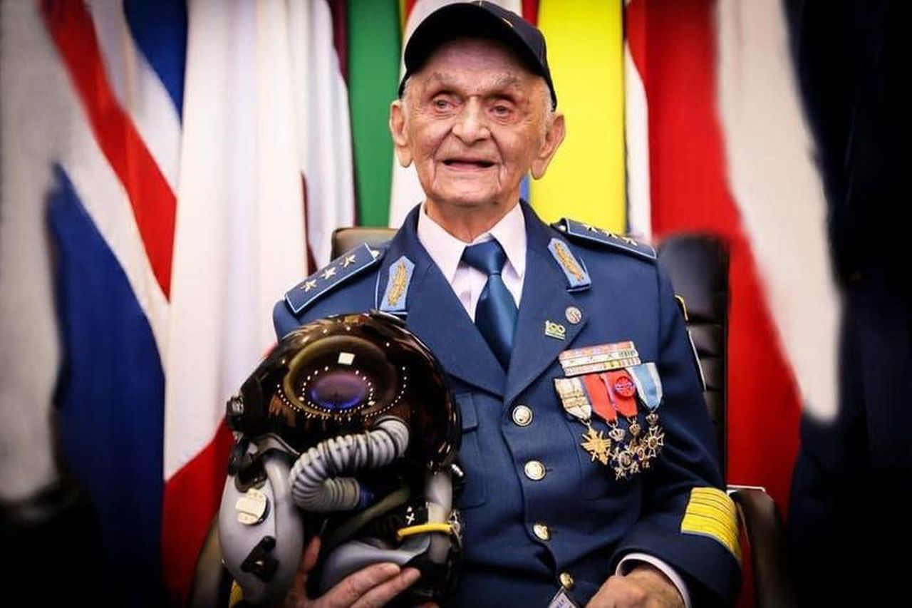 Doliu în Armata Română! A murit Ion Dobran, ultimul pilot de vânătoare român din al Doilea Război Mondial
