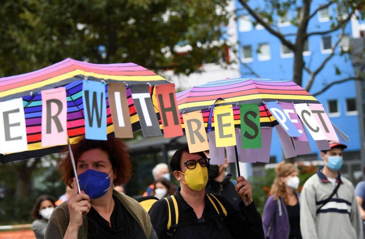 Peste 10.000 de oameni au organizat la Berlin marşul pentru solidaritate