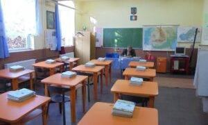 Elevii din 13 localități din România vor învăța în scenariul galben