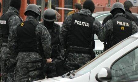Românii falsifică pe bandă rulantă certificatele de vaccinare. 64 de percheziţii au avut loc în această dimineață