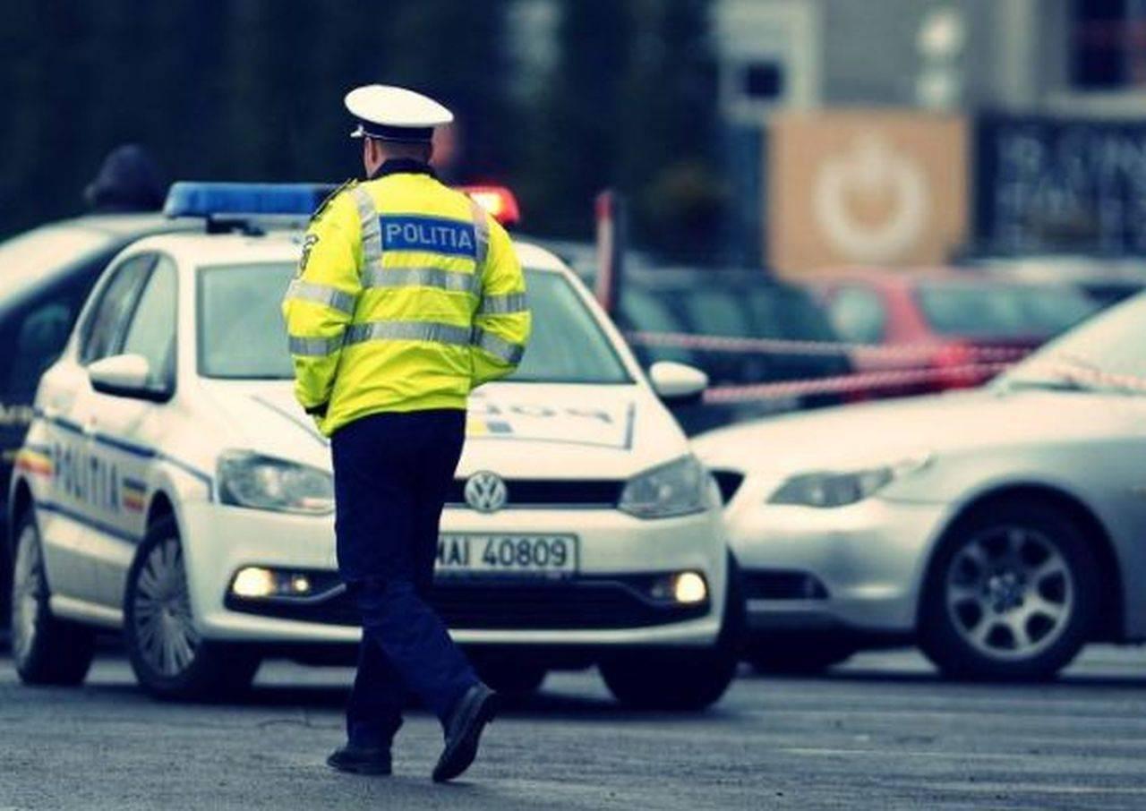 Bătaie generală la Vaslui! Două femei au bătut un polițist, după ce acesta le-a oprit în trafic