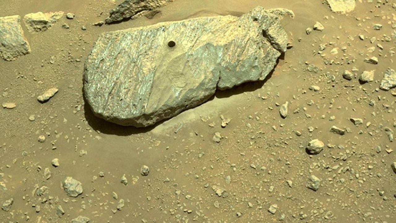 Roverul Perseverance NASA a reușit să colecteze prima rocă de pe Marte