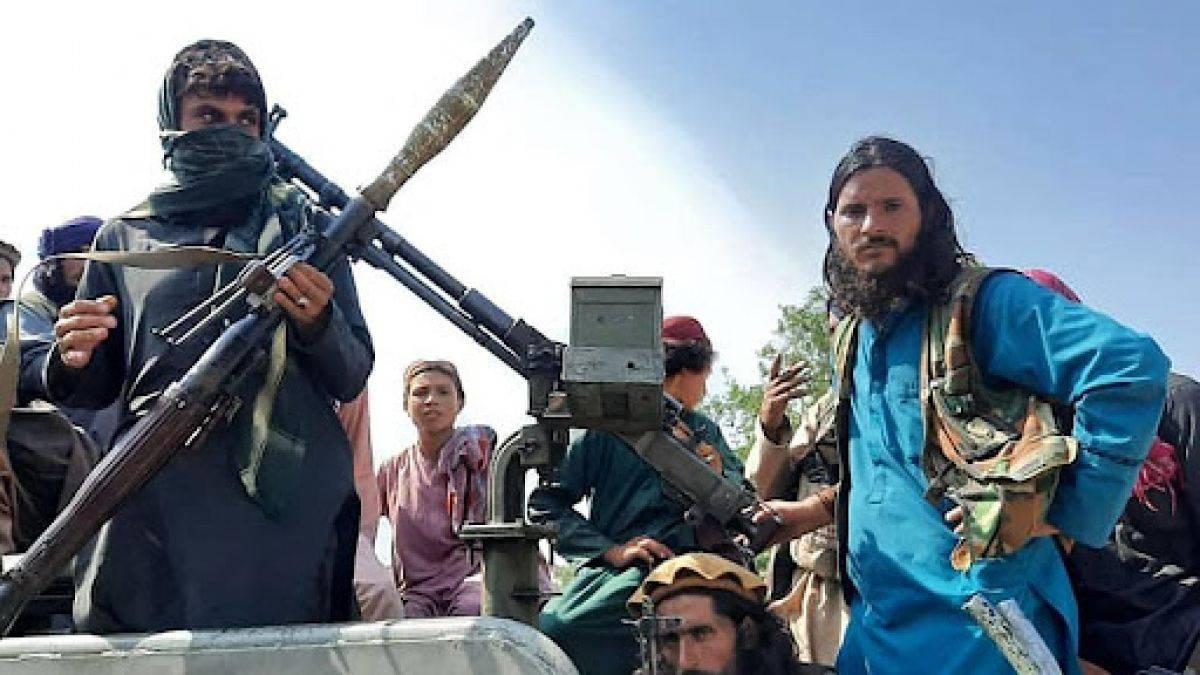"""Talibanii au ucis patru persoane și le-au atârnat cadavrele în public. """"Este o lecție"""""""
