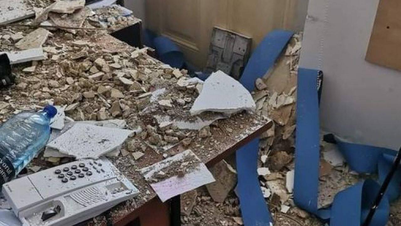 Tavanul unei secții de poliție din București s-a prăbușit