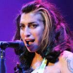 Garderoba cântăreței Amy Winehouse, scoasă la licitație! Câte milioane de dolari trebuie să scoți din buzunar pentru ea