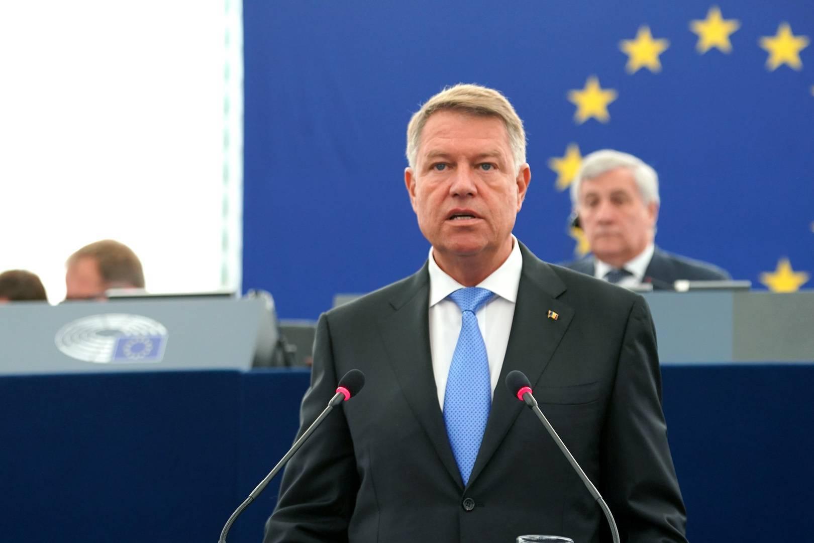 Chiar acum! Președintele Klaus Iohannis face primele declarații, după demiterea Guvernului