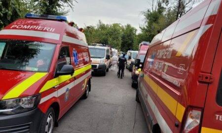Accident grav între microbuz cu 22 de pasageri la bord și o mașină! S-a activat planul roșu de intervenție