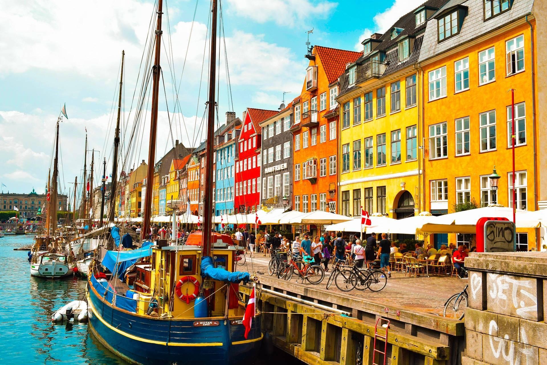Danemarca, țara spre care tot mai mulți români încep să se reorienteze. Salariile pornesc de la 2.500 de euro