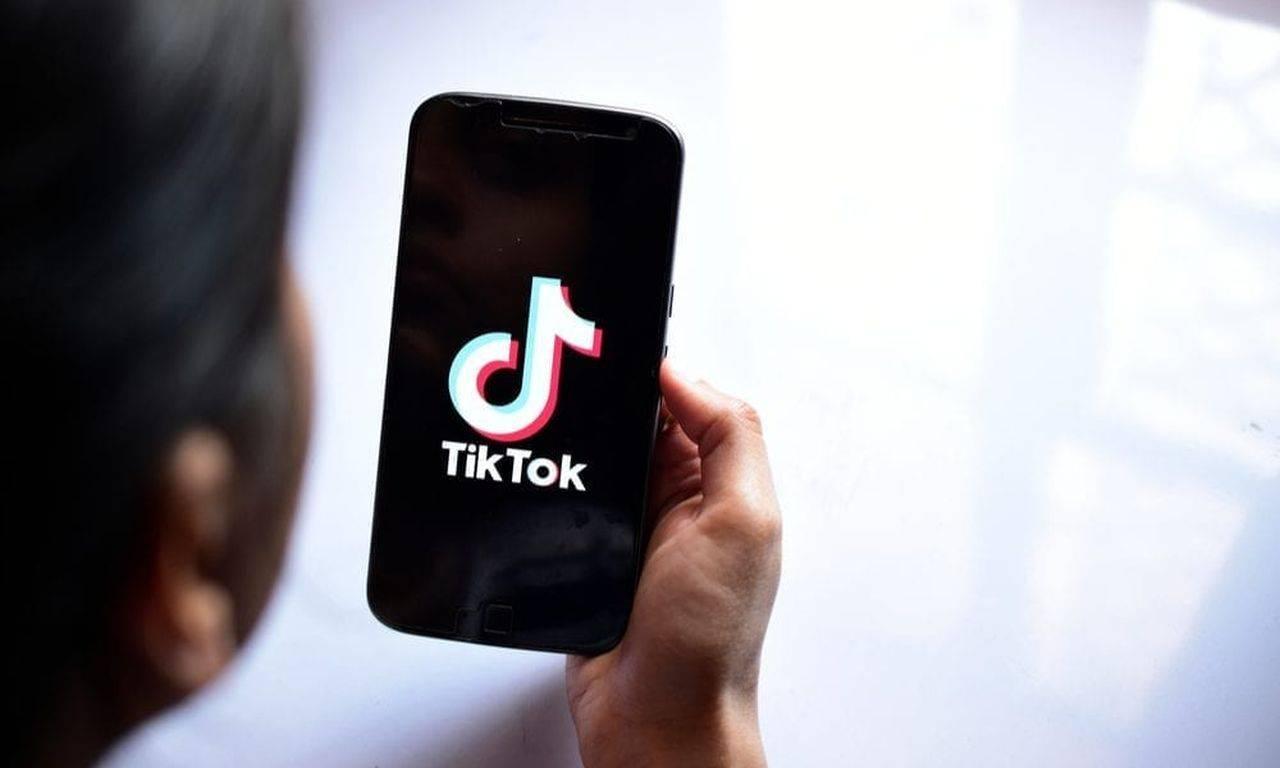 TikTok a șters peste 81,5 milioane de clipuri. Platforma online impune măsuri drastice